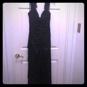Long black formal gown size 16